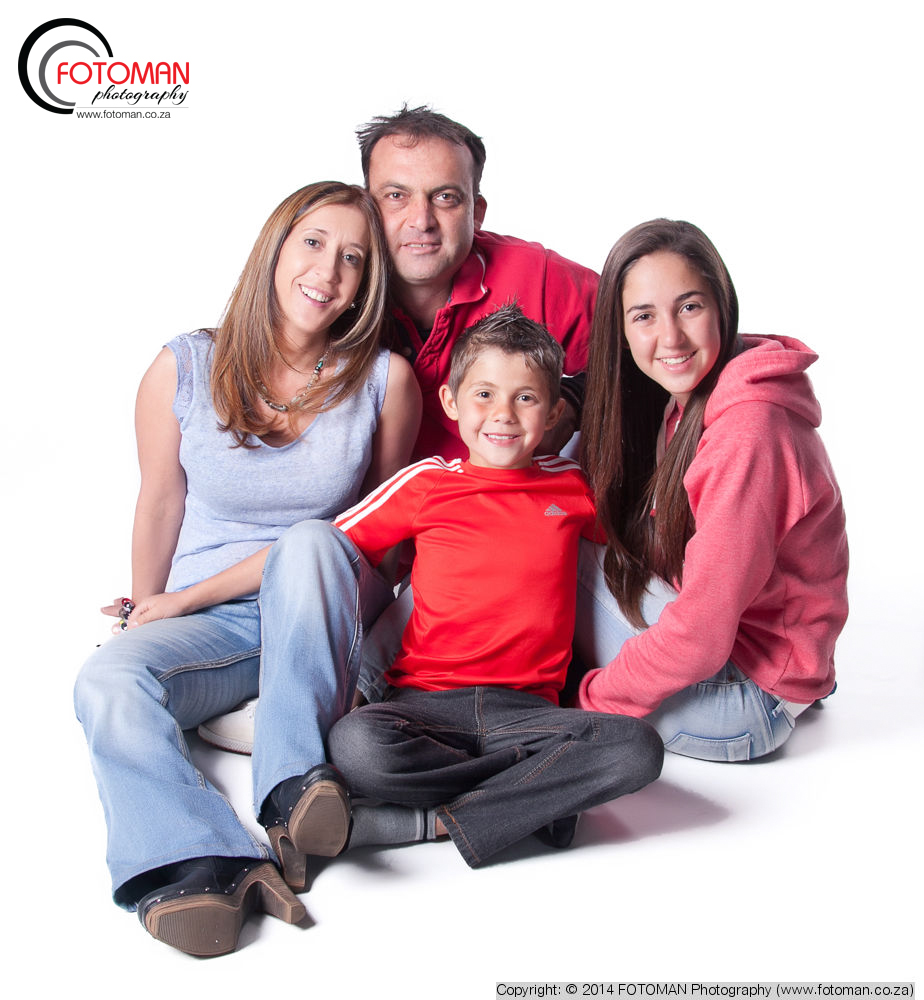 FOTOMAN studio photography, Mother, Father, Brother, Sister, West Rand, Gauteng, Portraiture, Printed photo books, Canvas enlargements, Black & white