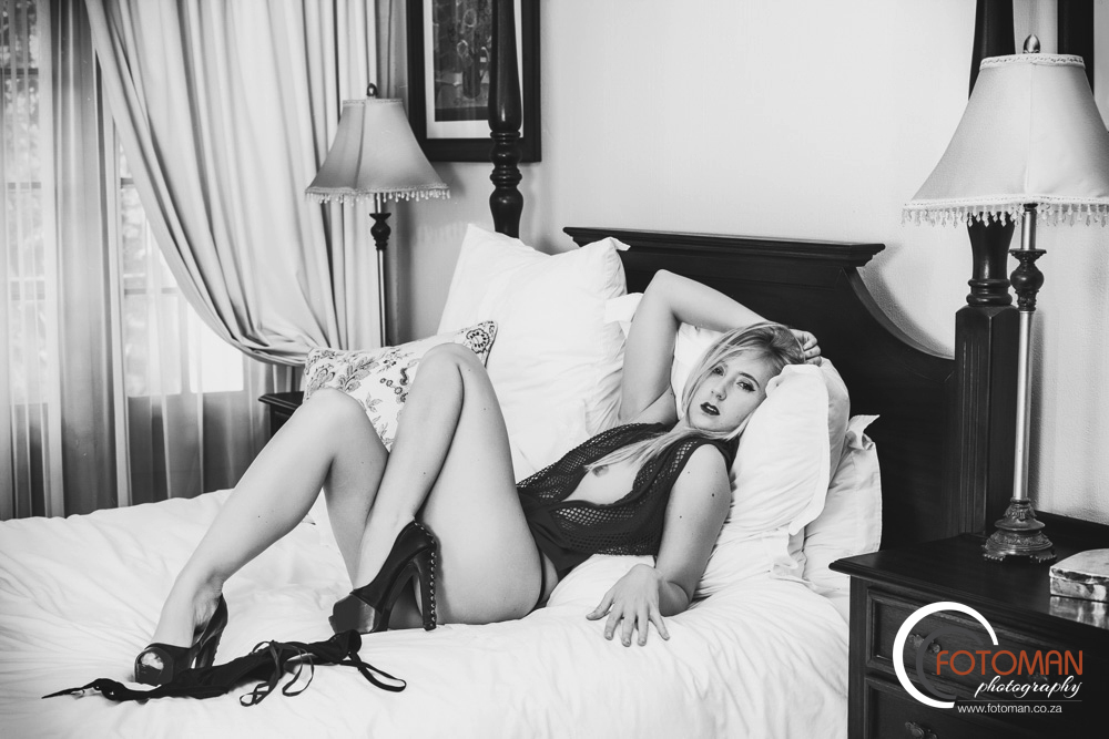 Sexy hot models pose in hotel suite in lingerie on the bed, boudoir, sensual, Michelle, James Dekker FOTOMAN Photography, Gauteng, Randburg, West Rand, Johannesburg, photographers, the best, nude, intimate, private, personal, beautiful